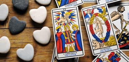 Cómo realizar la tirada del Tarot del amor